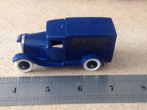 "Dinky Toys copy model  28 Series Type 1 Delivery Van ""Pickfords Removals""  with White Tyres"